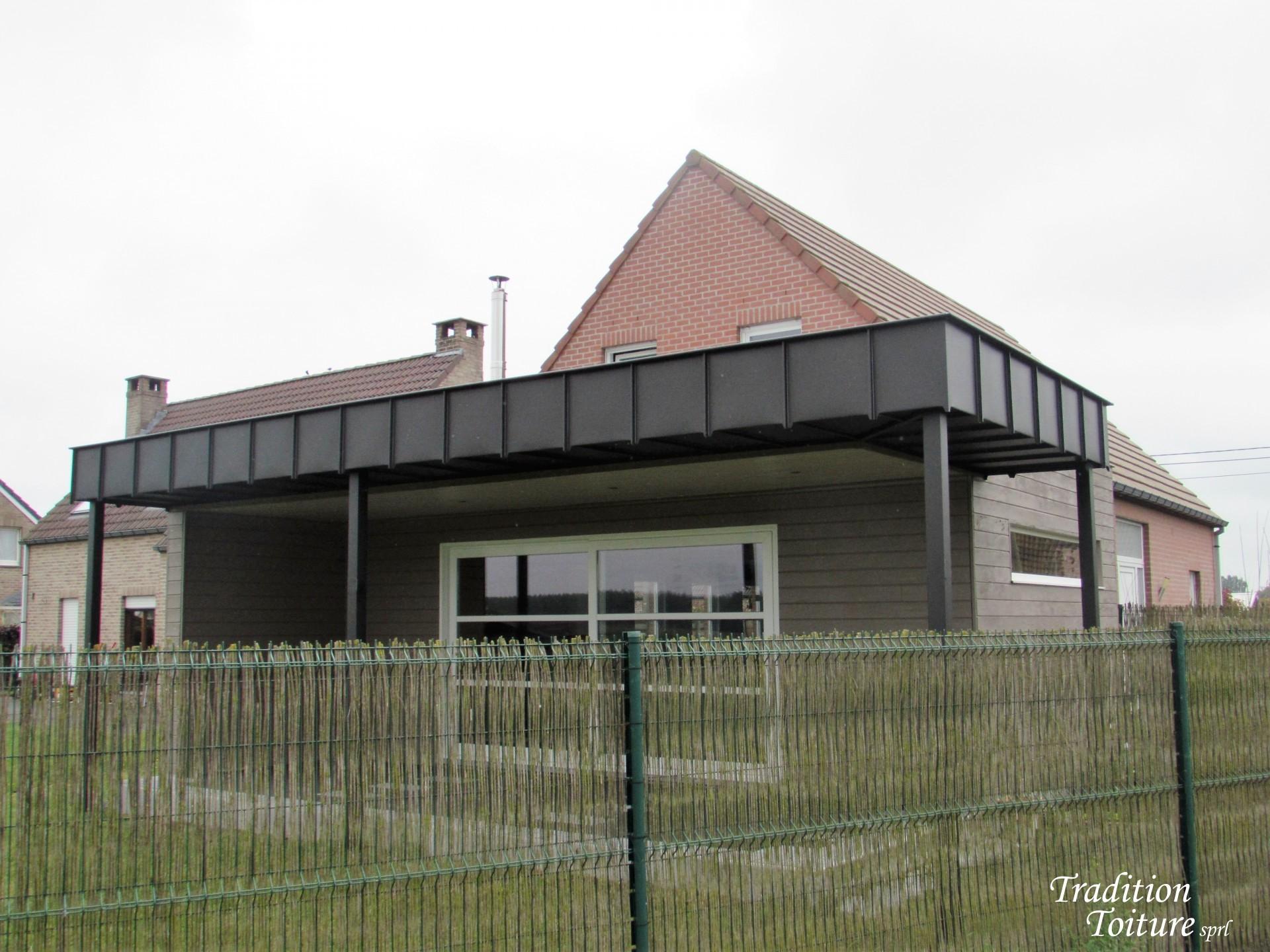 Terrasse couverte en zinc à Laplaigne - Tradition Toiture